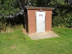 6-Døren-til-Toiletbygningen-i-Vikingelunden-1