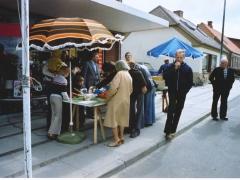 _ Ved Tonnesens stand,Torvedag 1979..